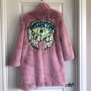 SUPER fluffy coat